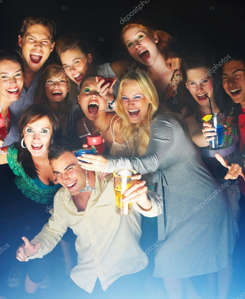 A group of young enjoying cocktails — Stock Photo #3224459