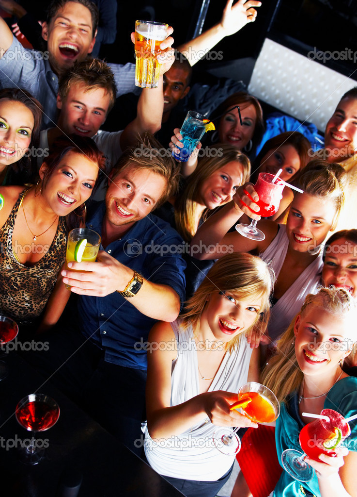 A group of young enjoying cocktails — Stock Photo #3224796