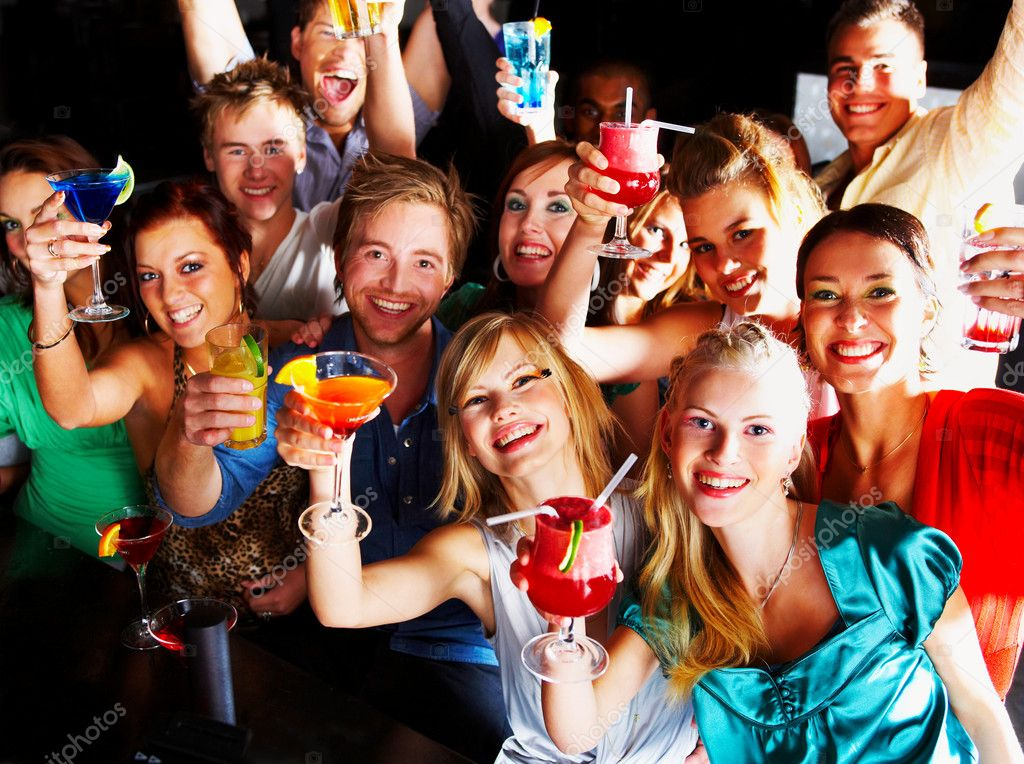 A group of young enjoying cocktails — Stock Photo #3224805