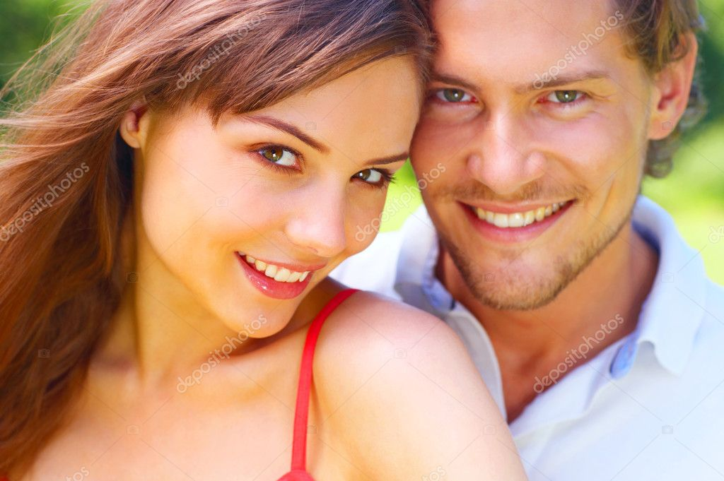 An attractive couple caught in a moment — Stock Photo #3227507