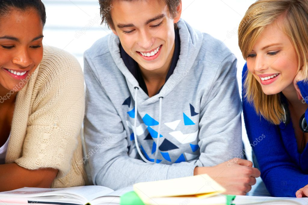 Young high school students in a modern and bright home environment — Stock Photo #3244725