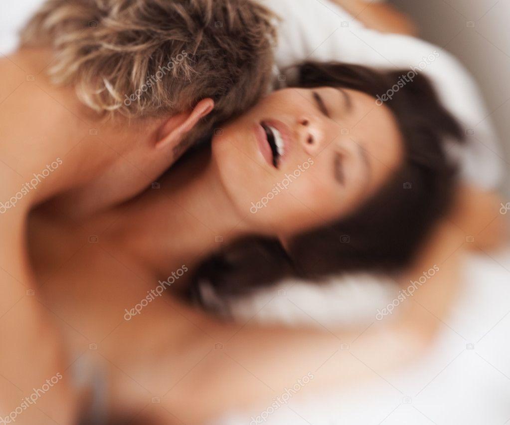Фото женщины и мужчины занимающиеся любовью 28 фотография
