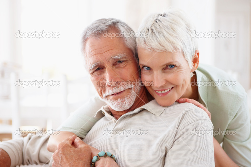 Portrait of a romantic senior old couple enjoying together — Stock Photo #3326833