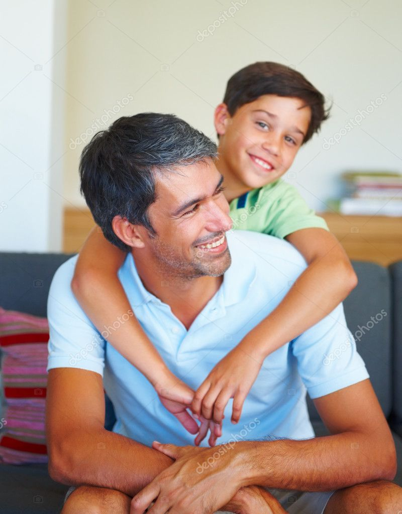 Happy father with his son at home — Stock Photo #3335577