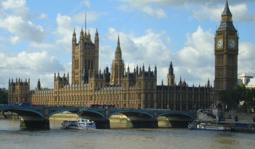 Parliament and Big Ben along the Thames in London — Stock Photo #2709117