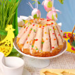 Easter table decoration with ring cake — Stock Photo