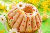 Easter ring cake with glaze — Stock Photo