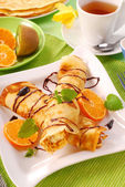 Rolled pancakes with cottage cheese — 图库照片