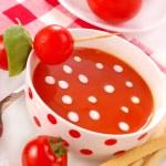 Tomato soup with cream drops — Stock Photo #2770514