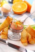 Frukost med löskokta ägg — Stockfoto