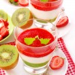 Strawberry and kiwi mousse with yogurt — Stock Photo