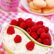 Cottage cheese with raspberry — Stock Photo