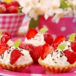 Strawberry mini tartlets — Stockfoto #2827744