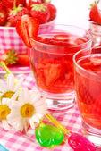 Fresh strawberry drink — Stock Photo