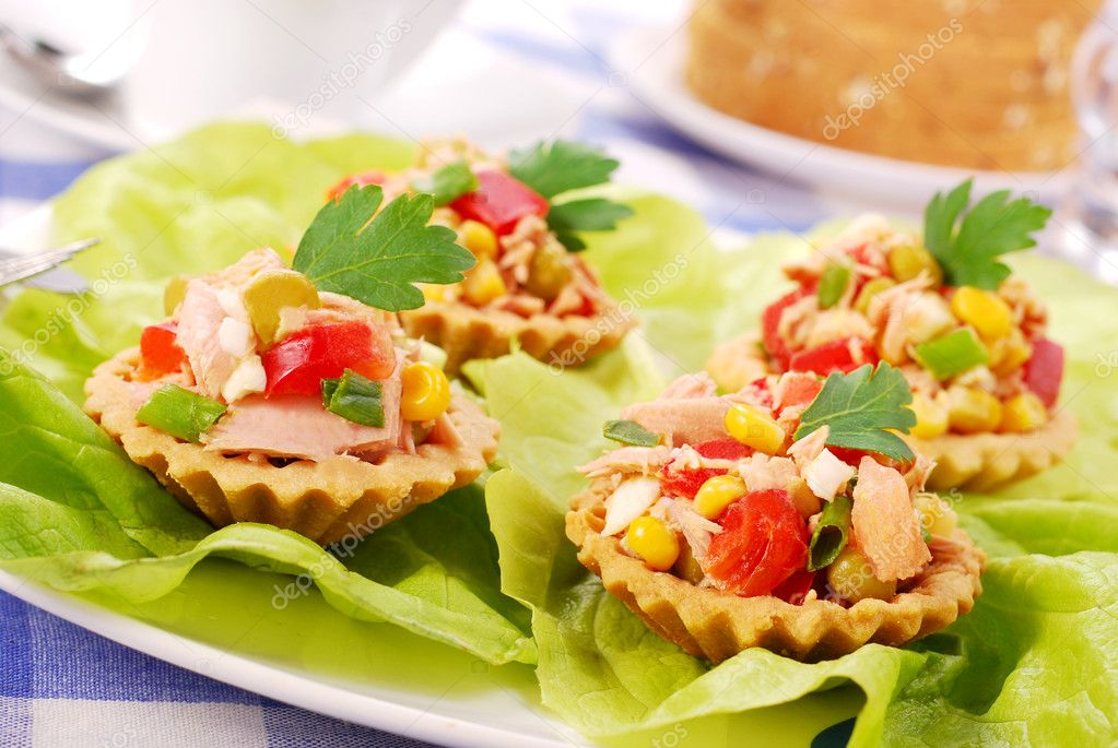 Салат с тунцом в тарталетках фото рецепт