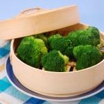 Steamed broccoli — Stock Photo #3487473