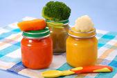 Comida para bebé em frascos — Foto Stock