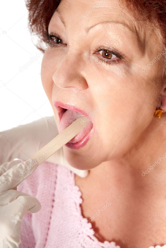 Senior woman get medical exam for flu prevention.  — Stock Photo #2803834