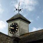 Torre del reloj Vintage contra una nube azul — Foto de Stock