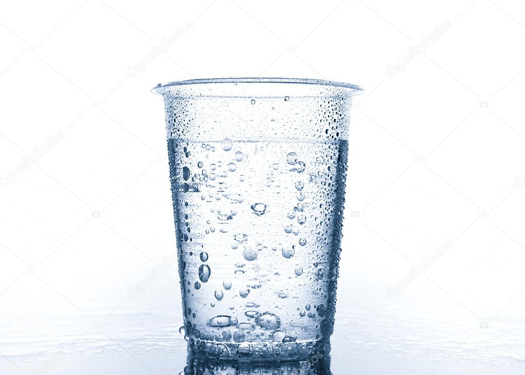 [Obrazek: depositphotos_2732084-Plastic-cup-with-water.jpg]