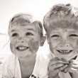 Sibling smiles — Stock Photo