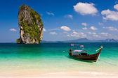 Tropical island landscape — Stock Photo