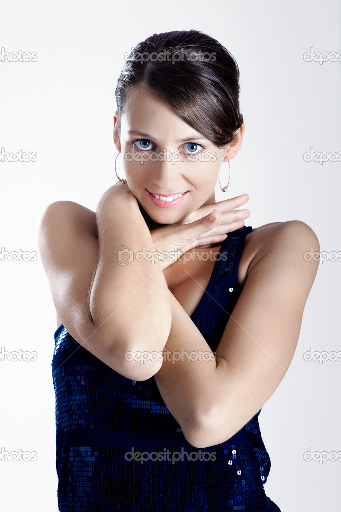 Portrait of a beautiful young woman wearing a sexy evening dress — Stock Photo #5069364