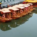 Line of boats at Qinhuai river — Stock Photo