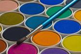 Akvarel barvy a štětce — Stock fotografie
