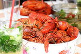 Boiled crayfish and mojito cocktail — Stock Photo
