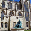York Minster with statue of Roman Empere — Stockfoto