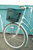 Retro Bike and Basket — Stock Photo