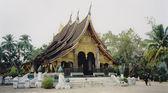 Luang prabang tropical temple laos — Stock Photo