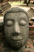 Decapitated buddha — ストック写真