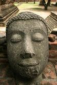Onthoofde buddha — Stockfoto