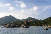 Koh samui rocky coastline — Stock Photo