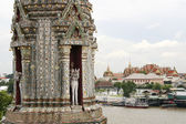 Wat arun and the grand palace — Stock Photo
