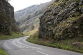 Cheddar gorge road somerset england — Stock Photo