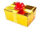 弓と黄金のギフト ボックス — ストック写真