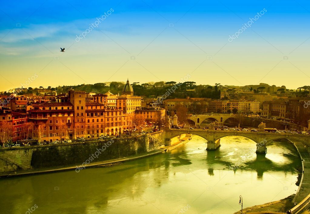 Travel Series - View of Rome and Tiber river at dusk. — Stock Photo #3860261