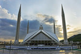 Sunset of Faisal Mosque — Stock Photo