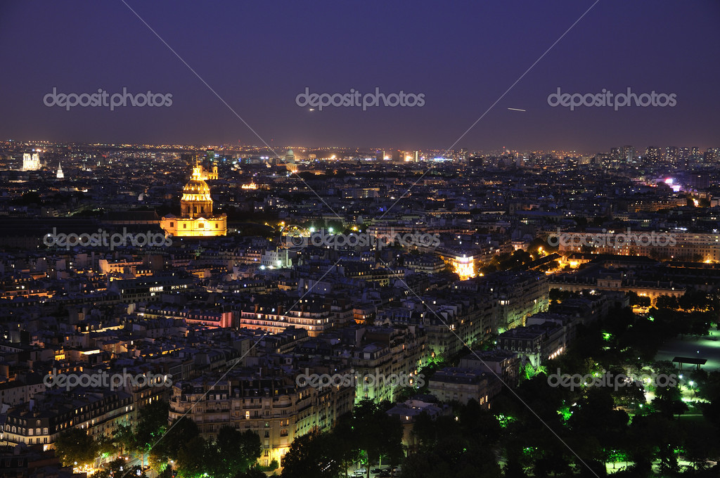 Paris at night from Eiffel tower — Zdjęcie stockowe #2840638