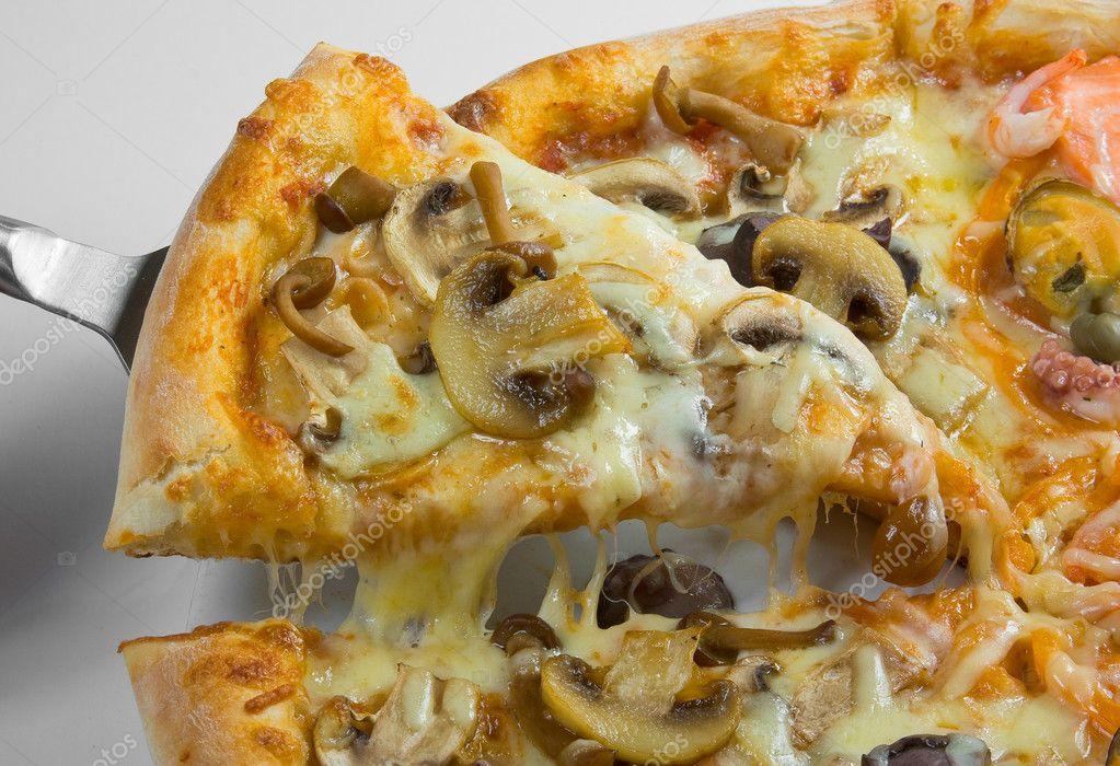Пицца с белыми грибами и сыром рецепт