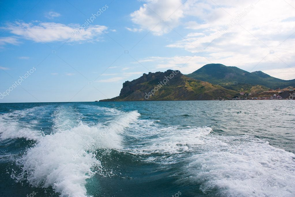 след от лодки