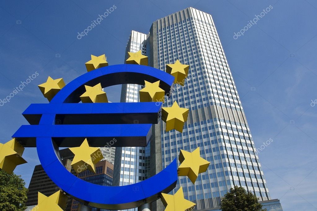 ECB headquaters with Euro sculpture, Frankfurt am Main — Stock Photo #2811537