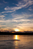 Gün batımında yukon river, canada — Stok fotoğraf