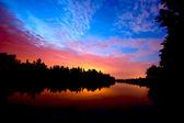 河上的落日 — 图库照片