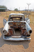 Old car in Namibian desert — Foto Stock