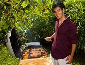 Uomo pacifico isola barbecue — Foto Stock