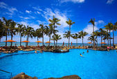 Swimming pool on Waikiki beach, Hawaii — Stok fotoğraf
